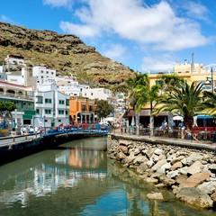 Gran Canaria vista del canale in Puerto de Mogan