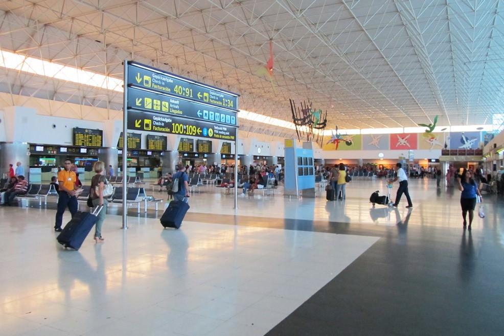 Aeroporto di Las Palmas a Gran Canaria (Foto Alessandro Bove)